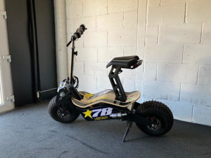 Refurbished Velocifero Mad 1600W 48V Lithium Electric Scooter – VSR-0017
