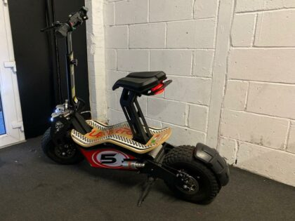 Ex-Demo Velocifero Mad 1600 Lead Acid Electric Scooter – VSE-0006