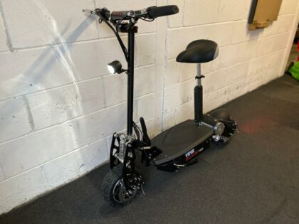 Ex-Demo Viper Blade1600 Lead Acid Electric Scooter – VSE-0007