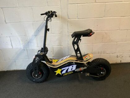 Ex-Demo Velocifero Mad 2000 Lithium Electric Scooter – VSE-0009